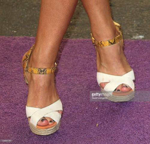 Addison-Timlin-Feet-37901c9fda570061dc.jpg