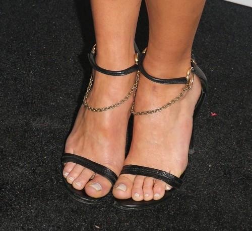 Adria-Arjona-Feet-31555217b4610f8066.jpg