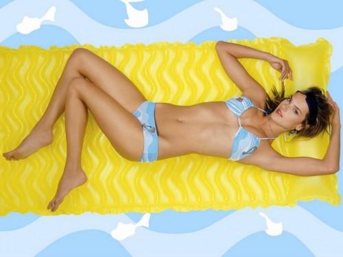 Alessandra-Ambrosios-Feet-1755faf501428506502.jpg