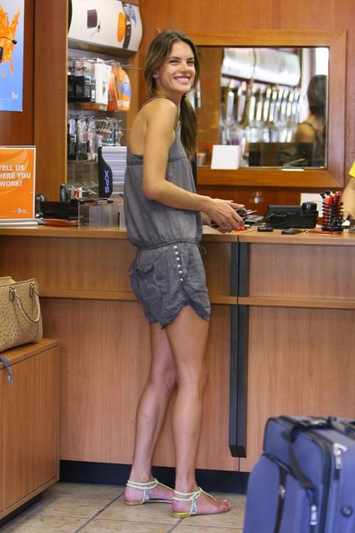 Alessandra-Ambrosios-Feet-180b7e8487bf41cf2fc.jpg