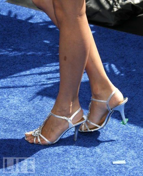 Alice-Greczyns-Feet-11789b349aad1099ce7.jpg