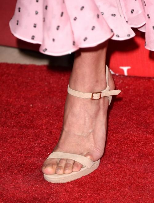 Alicia-Vikanders-Feet-2379349057d9d3c4e95.jpg