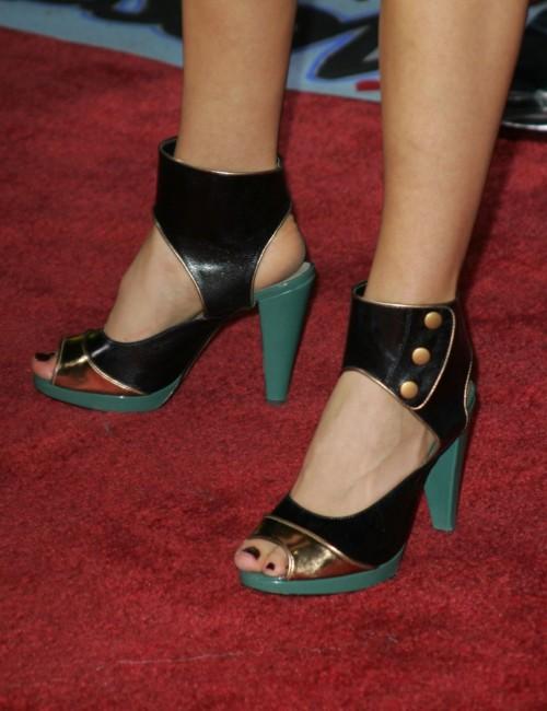 Amanda-Crews-Feet-32234aa9ac2fece784.jpg
