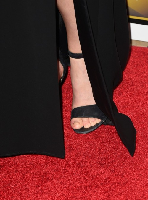 Amanda crew feet