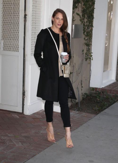 Amanda-Righettis-Feet-19755cf5614575c4951.jpg