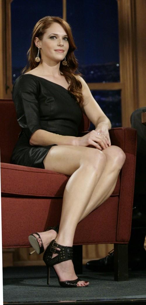 Amanda-Righettis-Feet-290fe119d34539e11f1.jpg