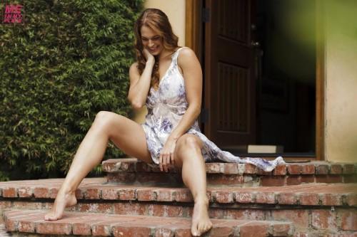 Amanda-Righettis-Feet-55c962ac20ca669561.jpg