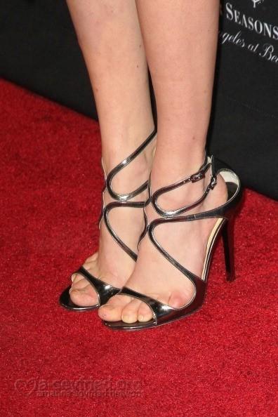Amanda-Seyfried-Feet-2069ef0d377edf89dd.jpg