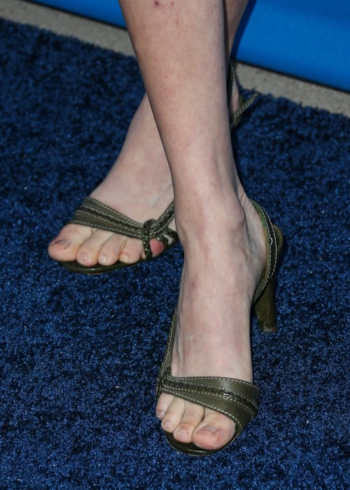 Amanda-Seyfried-Feet-26a16fee595ebefdbd.jpg