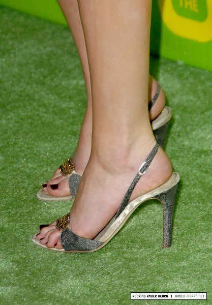 Amber-Heards-Feet-224b42b9eccecf2e480.jpg