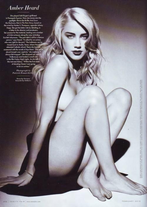 Amber-Heards-Feet-3267587aa4a9e9b252a.jpg