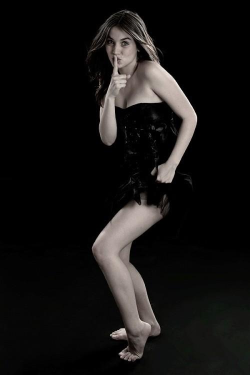 Ana-de-Armass-Feet-1814f24f838f5252178.jpg