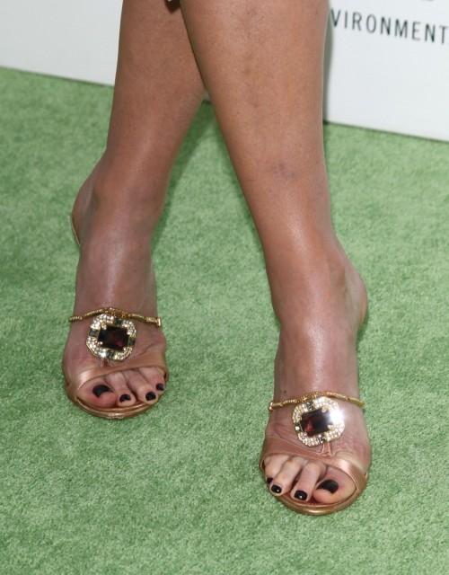 Andie-MacDowell-Feet-120b6e3f22abb8dfe9.jpg