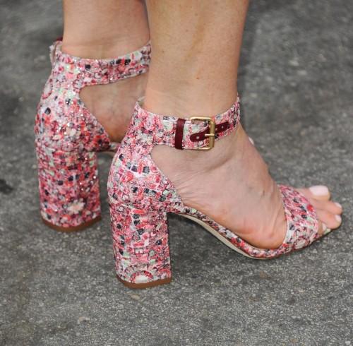 Andie-MacDowell-Feet-14241f3a647fa64d89.jpg