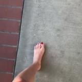 Angela-Kinsey-Feet-42548637d1d32c586ade251