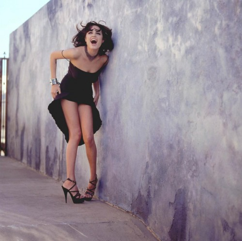 Angelina-Jolies-Feet-66f95bb50ddcac9b39.jpg