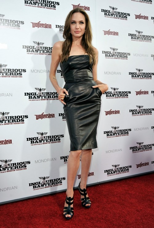 Angelina-Jolies-Feet-738e8255f419c87f20.jpg