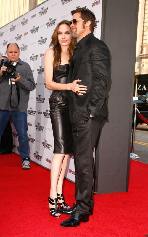 Angelina-Jolies-Feet-88f24e4fdeff137961.jpg
