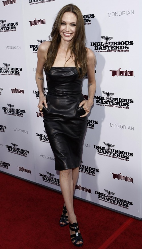 Angelina-Jolies-Feet-901d95966a99df4256.jpg