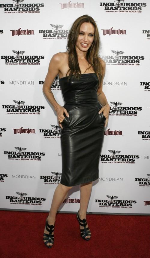 Angelina-Jolies-Feet-9166ba5614b2586b58.jpg