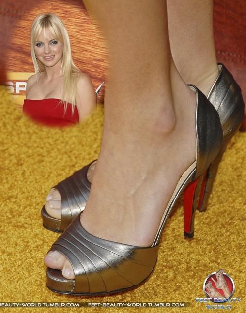 Anna-Faris-Feet-109bc4b953a8ef405c.jpg