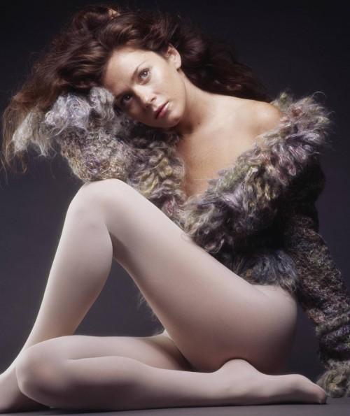 Anna-Friel-Feet-689bf1bd0d2535677.jpg