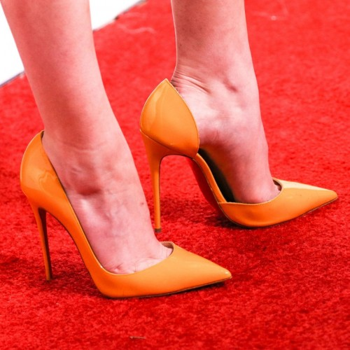 Anna-Kendricks-Feet-4850215b5bc68a88be3.jpg