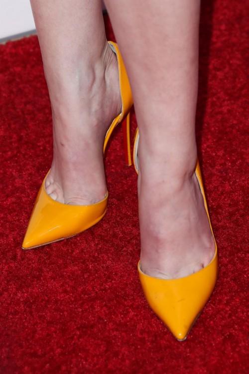 Anna-Kendricks-Feet-48651c9bb848bdd33b7.jpg
