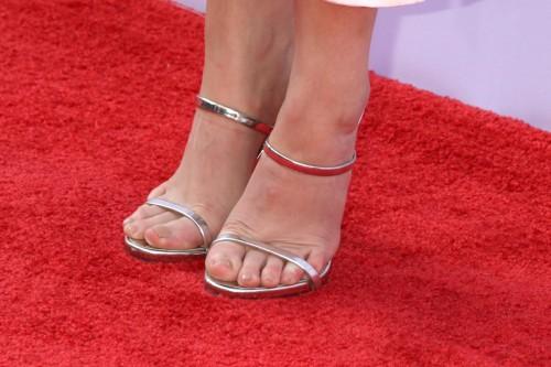 Anna-Kendricks-Feet-49487f39962da0b28d9.jpg