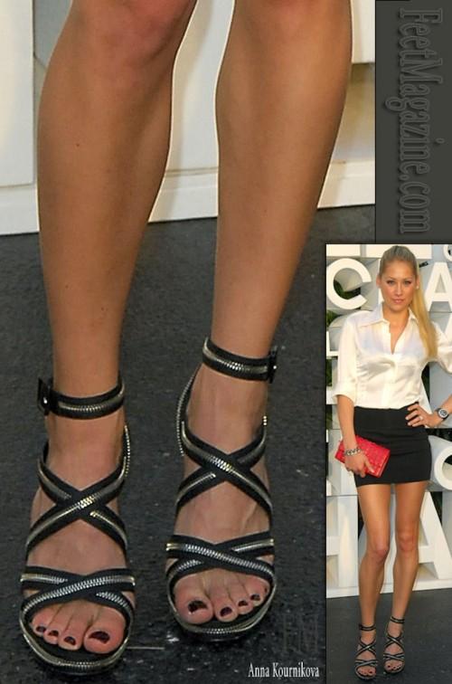 Anna-Kournikova-Feet-265fb95d2ba41ef11.jpg