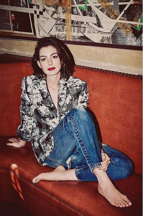 Anne-Hathaway-Feet-114cd5c3837cd7b4eda.jpg