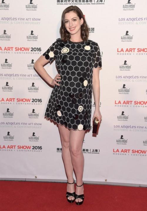Anne-Hathaway-Feet-11827ae48228880dab1.jpg