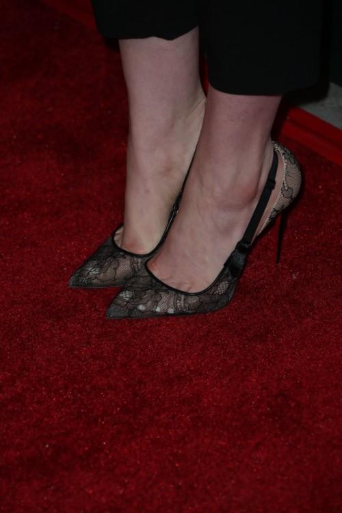 Anne-Hathaway-Feet-132d0fec0282a445e3f.jpg