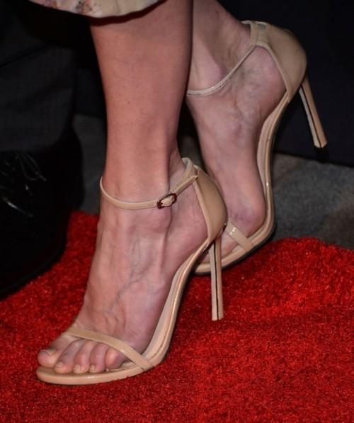 Anne-Heche-Feet-10675f175221df6a8a.jpg