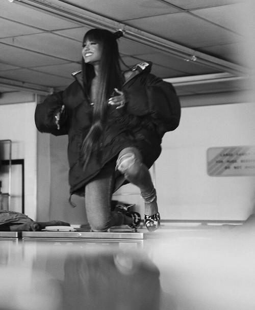 Ariana-Grandes-Feet-33518c1720a9d3c76a0.jpg