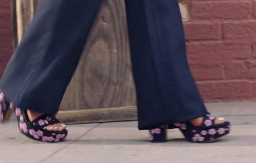 Ariana-Grandes-Feet-3365d3ddee8b0add343.jpg