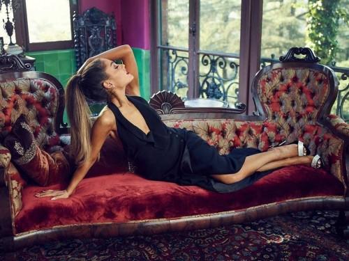 Ariana-Grandes-Feet-352951e8fa5045e09dd.jpg