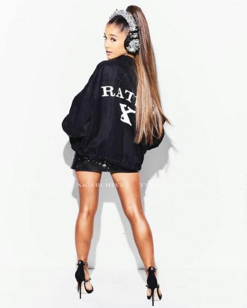 Ariana-Grandes-Feet-3549b5d5def91c9b7f4.jpg