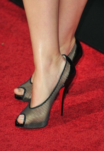 Ashley-Johnson-Feet-8f97ae34848f86ae6.jpg