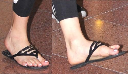 Avril-Lavigne-Feet-60a49d7277c26b48c.jpg