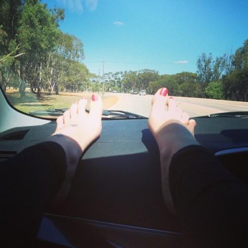 Bella-Marees-Feet-756840627726f76b6.jpg
