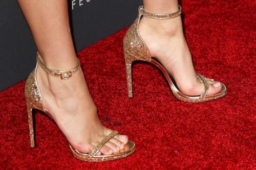 Bella-Thornes-Feet-49416f9b7edc5ecd424.jpg