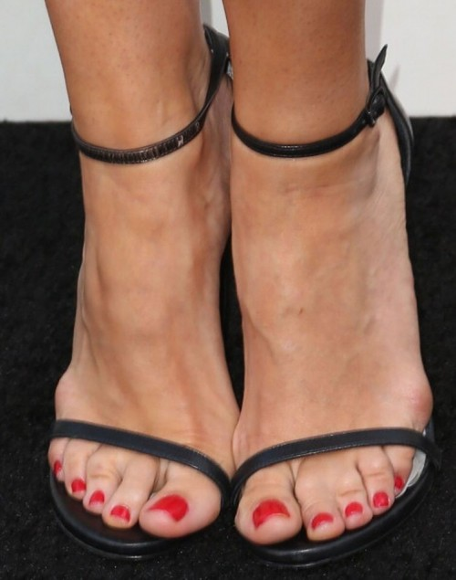 Bellamy-Young-Feet-3199ed0964d6f95e2.jpg