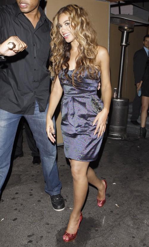 Beyonces-Feet-107ff8b436331f30c2.jpg