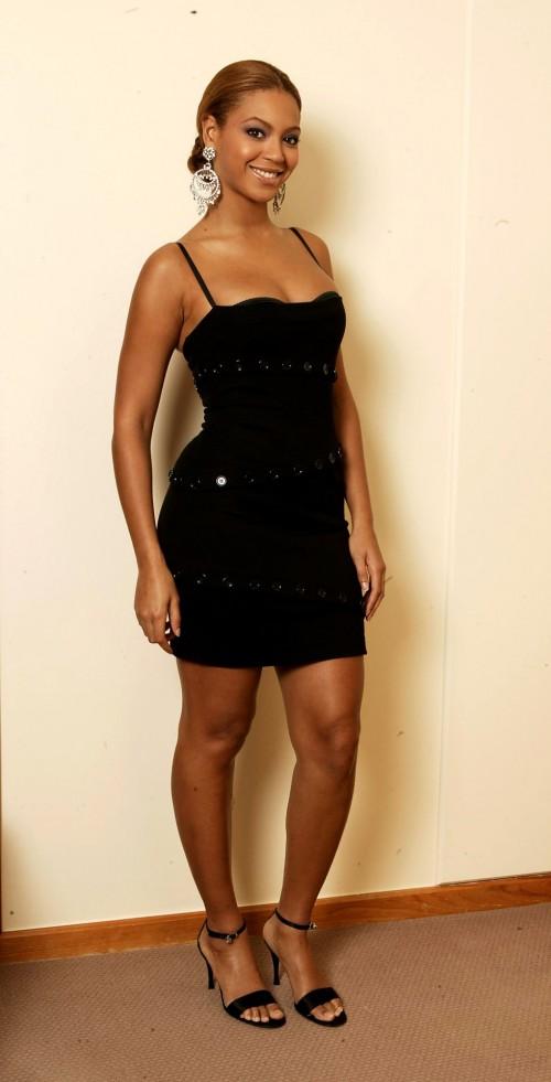 Beyonces-Feet-12d8c64bf4685ce685.jpg