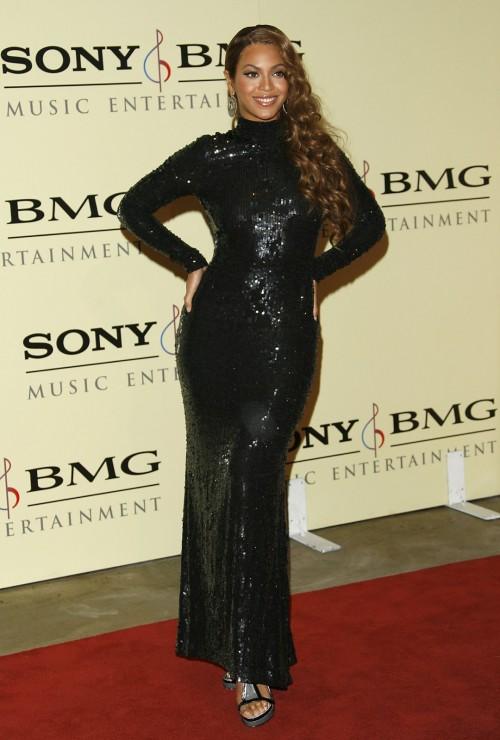 Beyonces-Feet-8c765d529246bd9fc.jpg