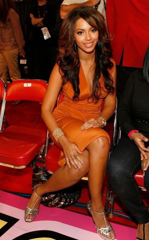 Beyonces-Feet-907bd044d82a7f2b1.jpg