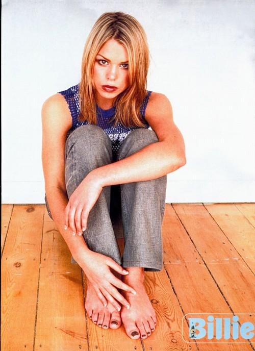 Billie-Piper-Feet-61258556870fabf0c.jpg
