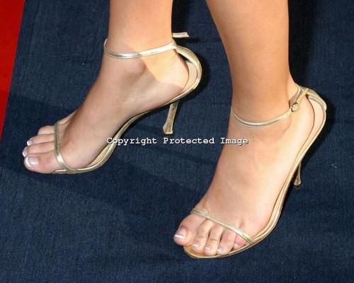 Blake-Livelys-Feet-3405960c5df70a56c4a.jpg