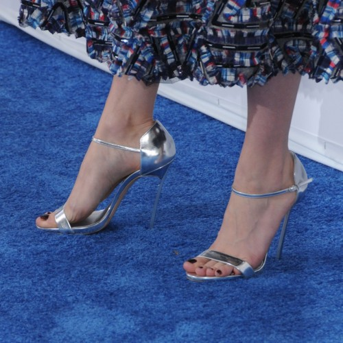 Brie-Larsons-Feet-173b019408ca032fec5.jpg